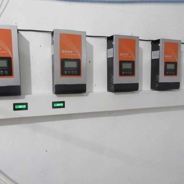 How to choose between air cooling charge controller and fan cooling charge controller?